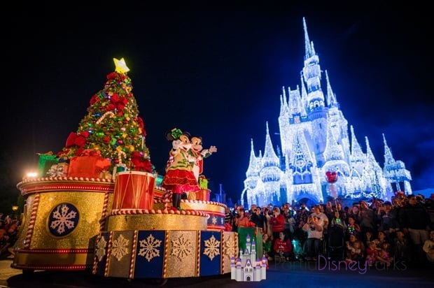 mickey-minnie-once-upon-christmastime-parade-